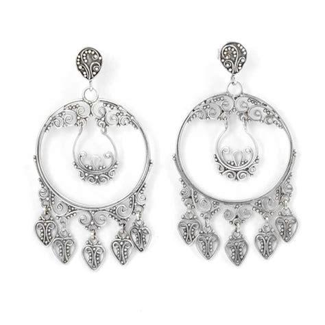 boucles d'oreilles géométriques rondes métal aplati et perles en verre