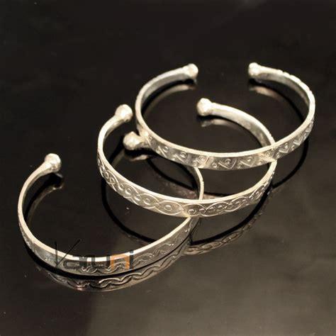Large bracelet manchette Camaryah texture lignes